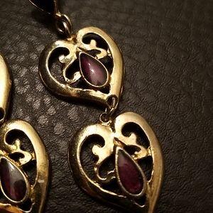 Avon Jewelry - VTG Avon dangle heart earrings